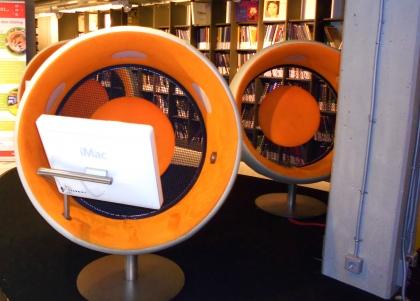 S'assoir, écouter, voir un film... dans le même fauteuil, ça se passe au Danemark